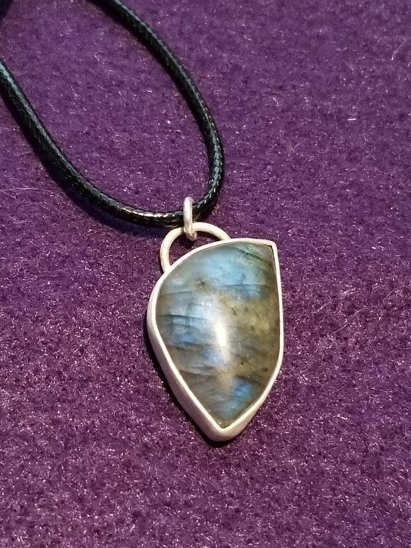 Blue Flash Labradorite Pendant Necklace
